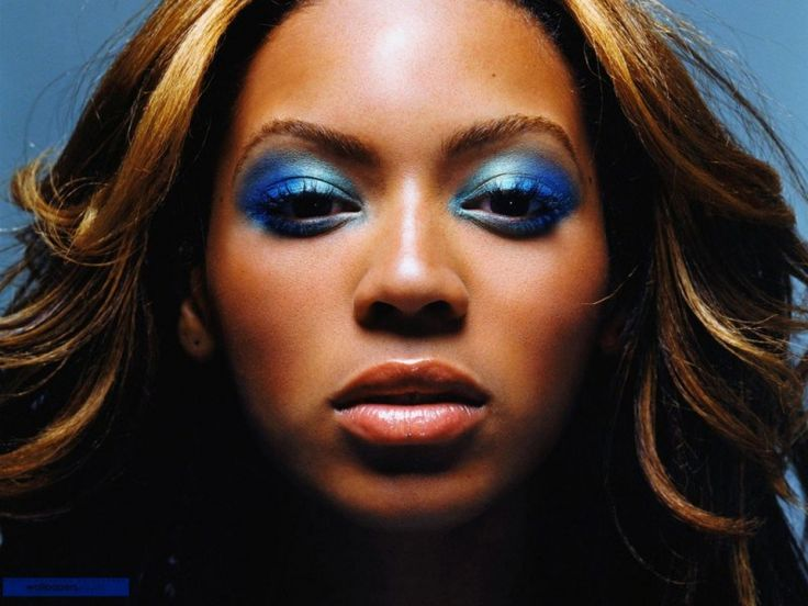 Turquoise-Beyonce-Makeup