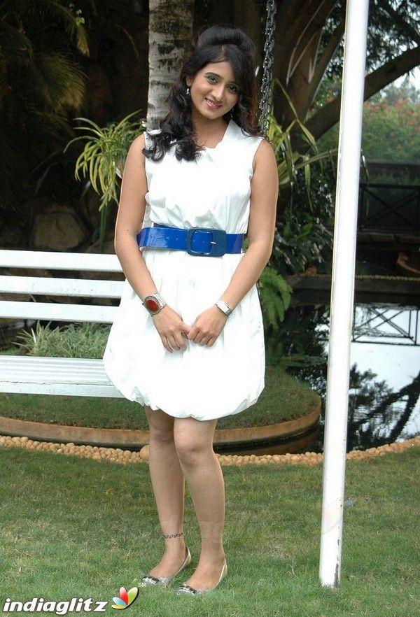 Harshika Poonacha - Tamil Actress Image Gallery