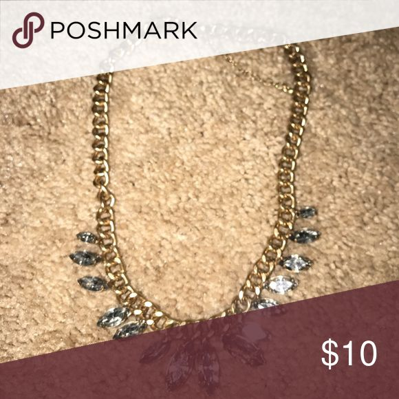 Chunky gold necklace Gold chunky necklace, add a little sparkle to any outfit! Jewelry Necklaces