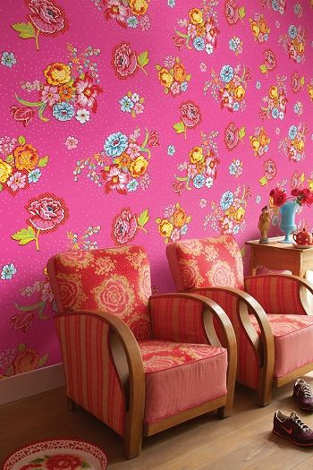 Pink living room... love the wallpaper by PiP Studio