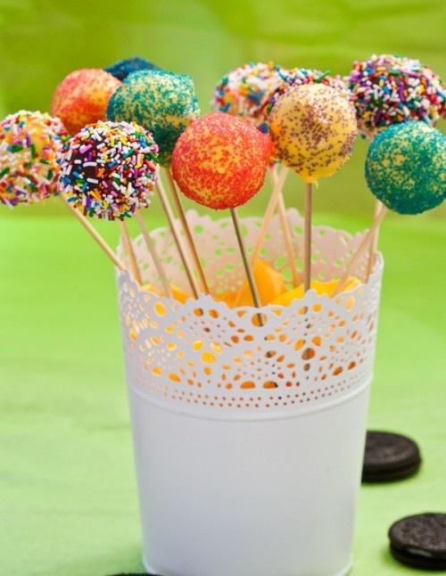 No Bake Oreo Cake Pops - Mmmm!  These were so good!