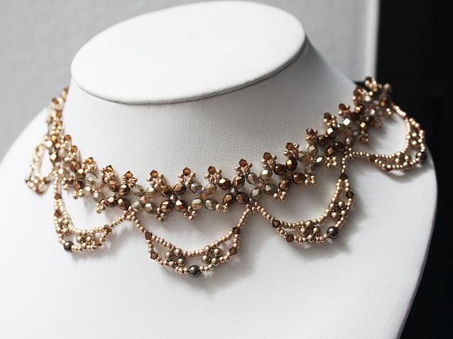 Golden Beauty Necklace by BeeJang - Piratchada;  no schema, but can figure it out.