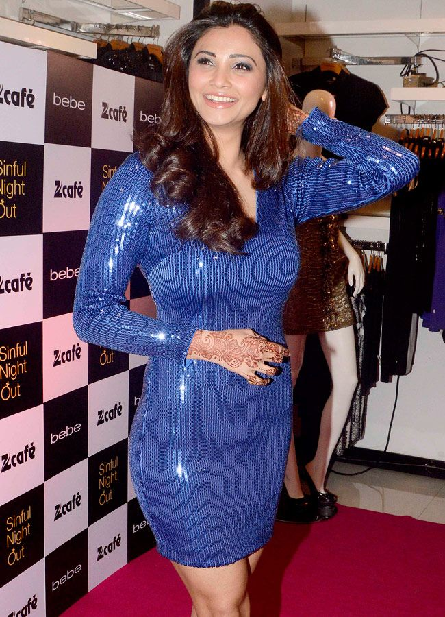 Daisy Shah looked ravishing in electric blue shimmery short dress at  Zee Cafe's Desperate Housewives Sin Is In launch event. #Bollywood #Fashion #Style #Beauty