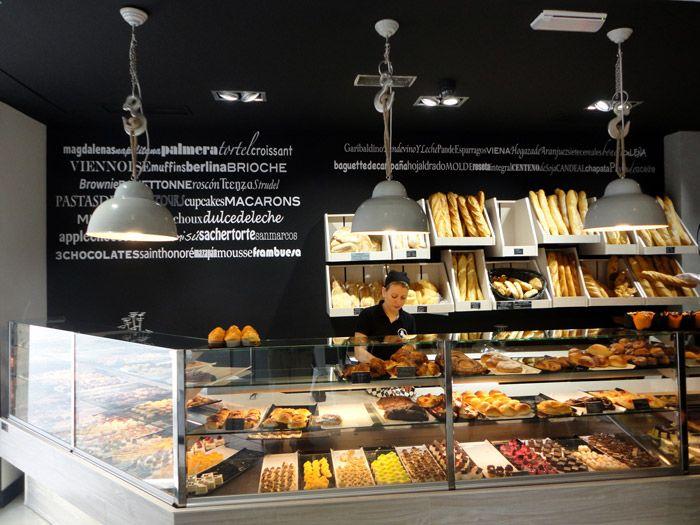Mostrador de la panadería pastelería Lazareno Gourmet.