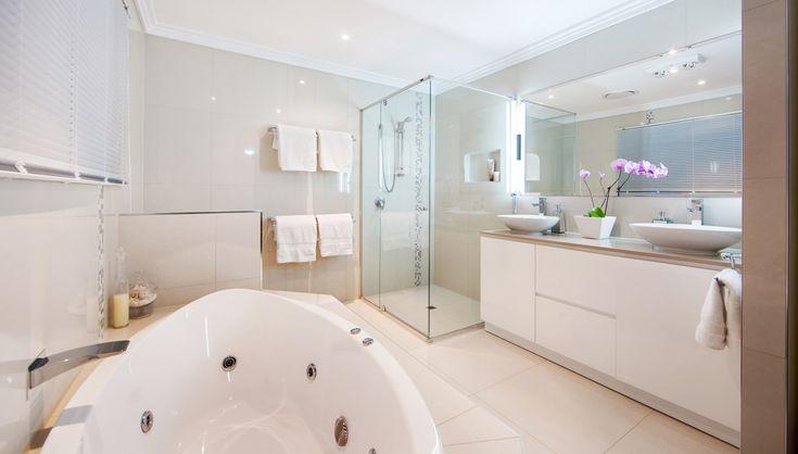 Banyo Tadilatı ve Dekorasyonu, Banyo Yenileme Banyolarımız, kişisel anlamda en rahat ve huzurlu olmamızı gerektiren alanların başında gelmektedir. Evinizin en değerli köşelerinden banyonuzu yenileyerek, hak ettiği değeri verin! TADİLASYON.com Ekibi, banyonuzda değişim ihtiyacını yerinde tespit ederek, sizin için konfor ile fonksiyonelliği birarada tutan tasarımlar sunuyor.