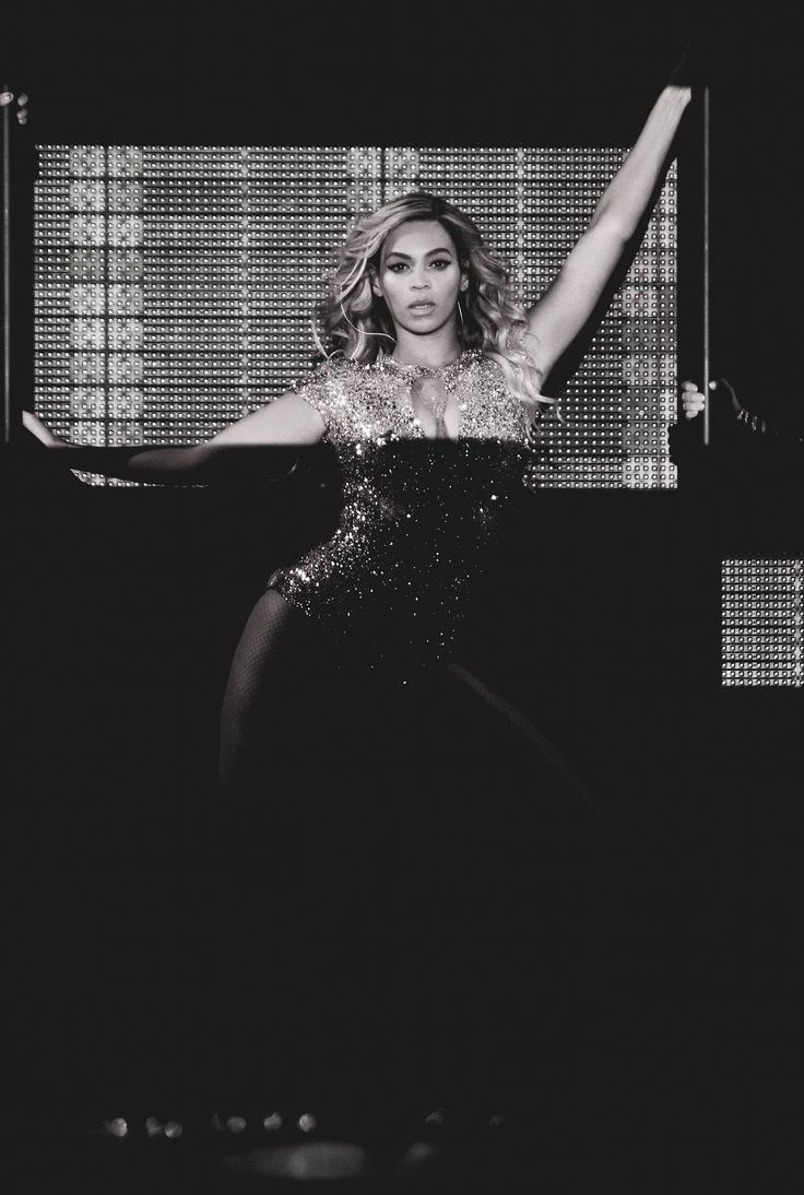 The Mrs. Carter Show World Tour  Glasgow photographed by Rob Hoffman (2014)