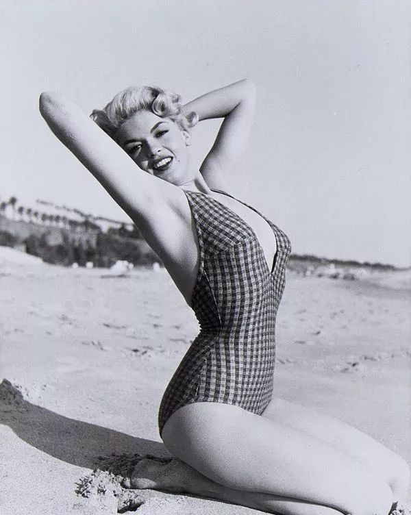 Sexy pics of Jayne Mansfield, one of the most beautiful women of all time. Jayne Mansfield was an actress, entertainer, model, and one of the first Playboy Playmates. Mansfield was one of Hollywood's sexiest blonde bombshells and was often compared to the sexy Marilyn Monroe. One of the hottest cla...