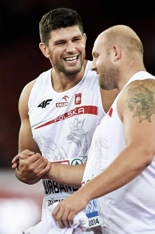 Two medals for #Poland in discus throw at #Beijing2015. Piotr Małachowski wins & Urbanek takes bronze!! Photo: PAP