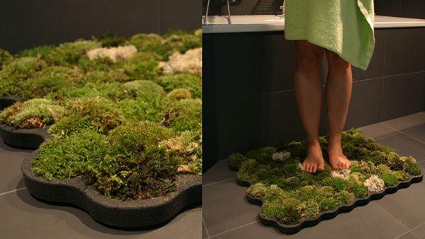 tappeto di muschio: eccovi una soluzione simpatica di arredamento del vostro bagno in maniera eco chica con un tappeto molto naturale...