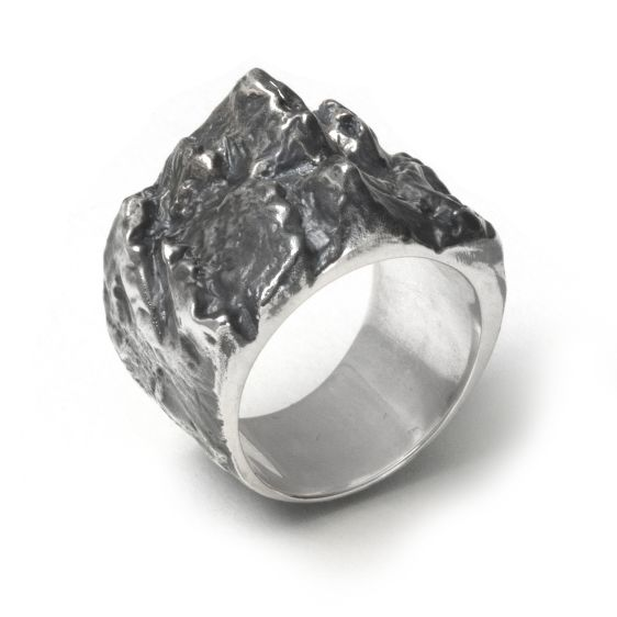 Elcho Falling Ring - ALICIA HANNAH NAOMI - Contemporary metal atelier - Melbourne, Australia #jewelry #ring #silver