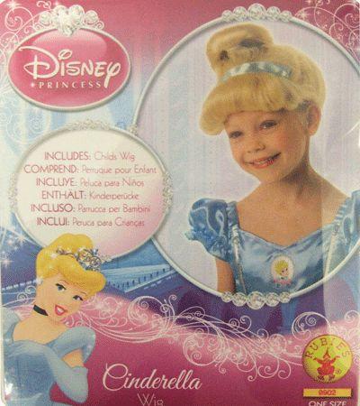 Disney Assepoester kinder pruik. Prachtige pruik voor kinderen. De pruik heeft blond haar en is in het model van Disney prinses Assepoester gebracht.
