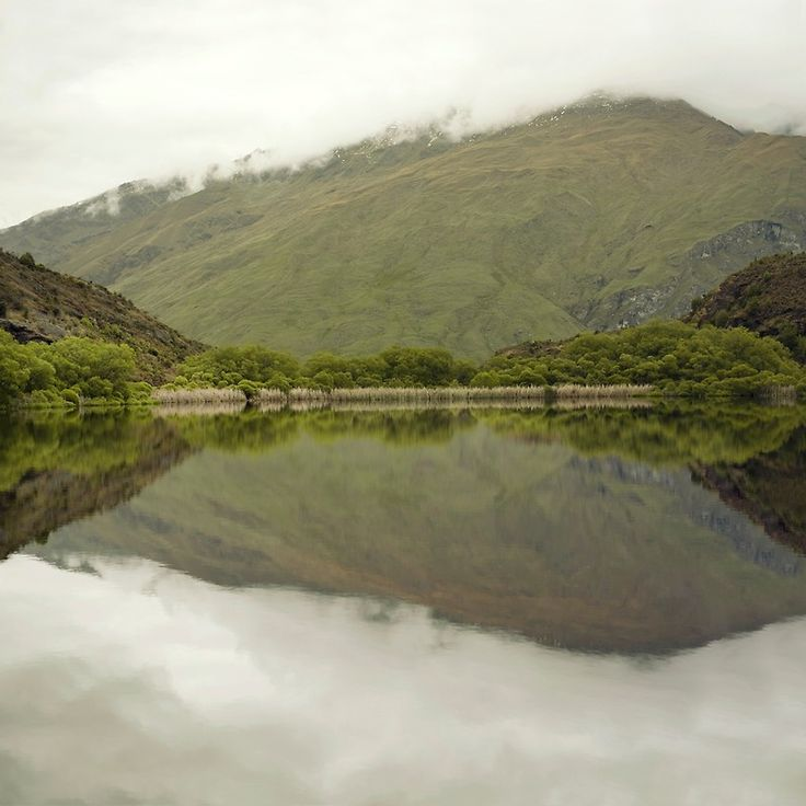 Reflections from Diamond Lake by josemanuelerre