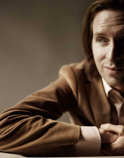 Wes Anderson's such a babe and I love all his movies. Wes snob for sure. =A=