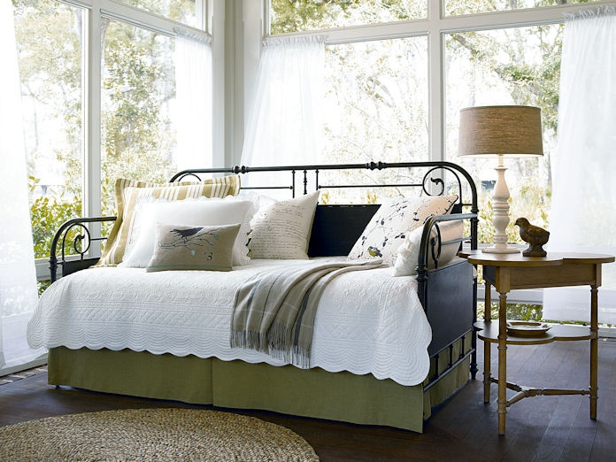 Like! Like! Like!Guest Room, Ideas, Gates Daybeds, Garden Gates, Living Room, Gardens Gates, Bedrooms, Furniture, Paula Deen
