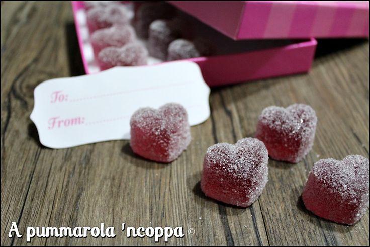 Caramelle gelee fatte in casa: clicca e scopri come puoi realizzare da te in modo facile e veloce questo dolcetto, al gusto che preferisci!