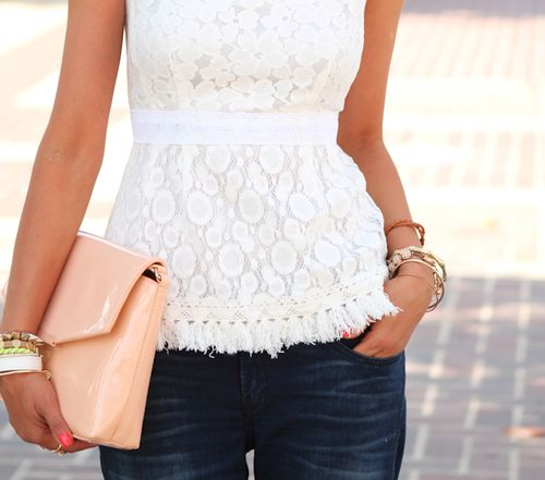 Pretty: A Mini-Saia Jeans, Chic Outfits, Peplum Tops, White Shirts, Casual Outfits, Lace Shirts, White Lace Tops, Summer Clothing, White Tops