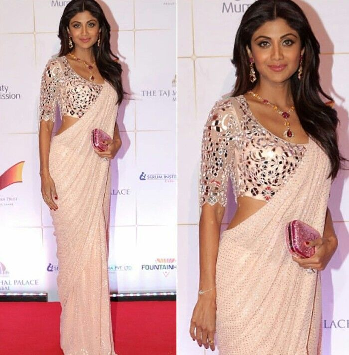Shilpa Shetty wearing pale pink and silver embroidered saree by Monisha Jaisingh at Bollywood Dinner with British Royals