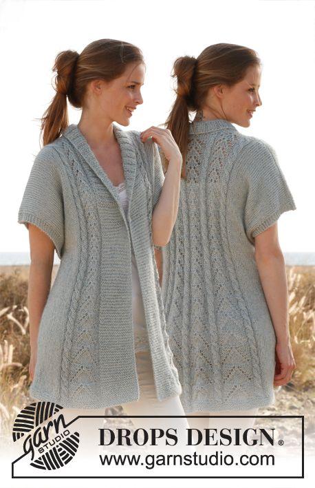 """Saco entallado DROPS, de punto, con patrón de calados y torsadas en """"Cotton Viscose"""" y """"Kid-Silk"""". Talla: S – XXXL. ~ DROPS Design"""