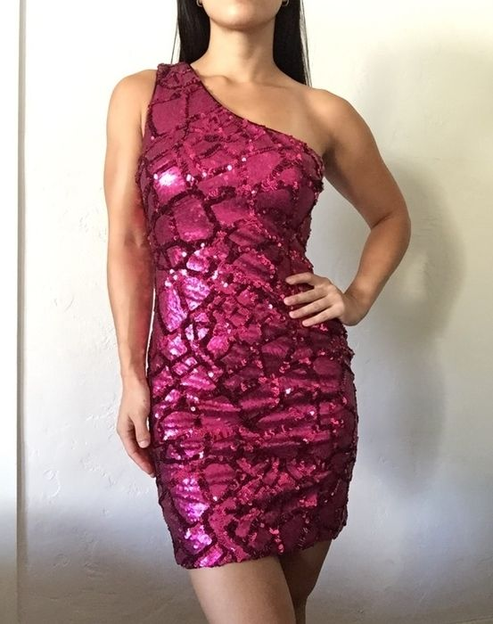 http://www.vinted.com/womens-clothing/other-dresses/17182750-nwt-new-dress-the-population-hot-pink-sequin-amber-bodycon-mini-dress-size-s-small