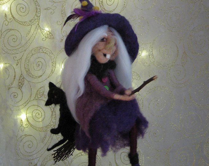 Bruja de Halloween en escoba con su aguja de gato de fieltro decoración de Halloween inspirado móvil Waldorf