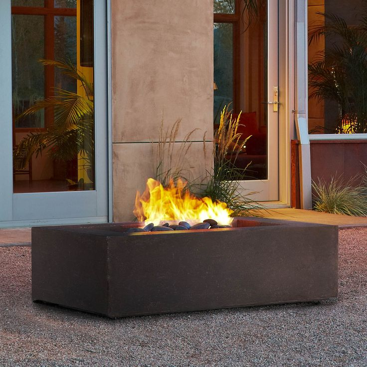 Define your outdoor space with the clean design of a Real Flame Baltic Rectangle Natural Gas Fire Table. This fire table comes complete with lava rock, lid, leveling feet, 10' gas hose and a protective cover for when the table is not in use.