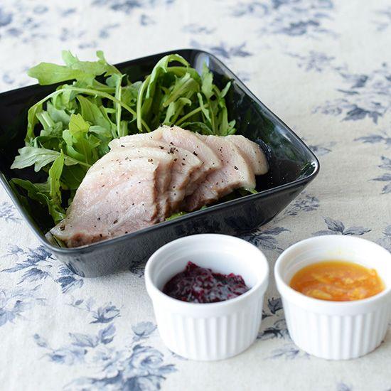 茹で塩豚のレシピ毎週更新している「料理家さんの定番レシピ」。本日は、力が抜けるほど簡単な茹で塩豚の作り方です。テーブルの上のごちそう感が増す一品を、ぜひ作ってみてください。材料(4人分)豚