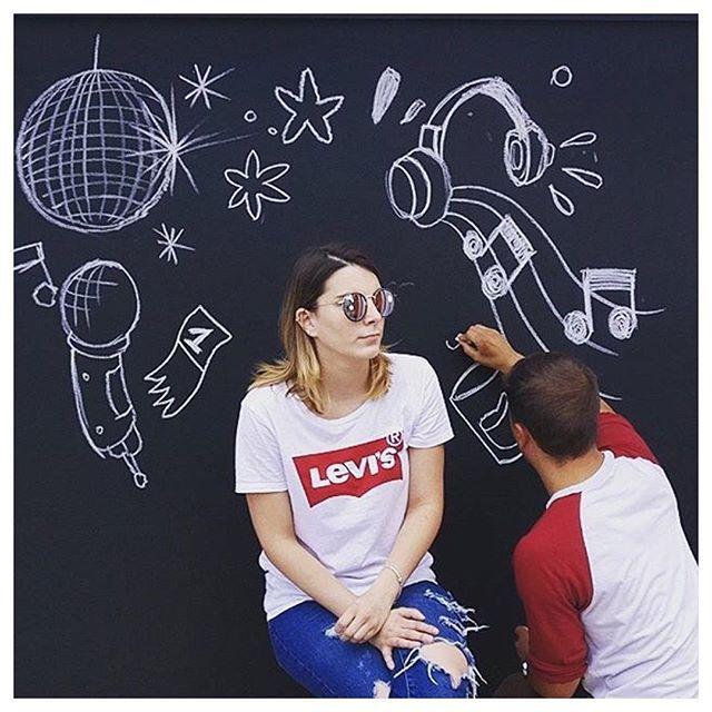 """Demain, je serai...DJ"" #cheeesebox #fun #trace #agency #cheeeeese #photoshoot #video #photobooth #dessin #graphicdesign #graffiti #graffitiart #startup #startups #decor #festival #francofolies #spa #belgium #belgique #dj #photos #pictures"