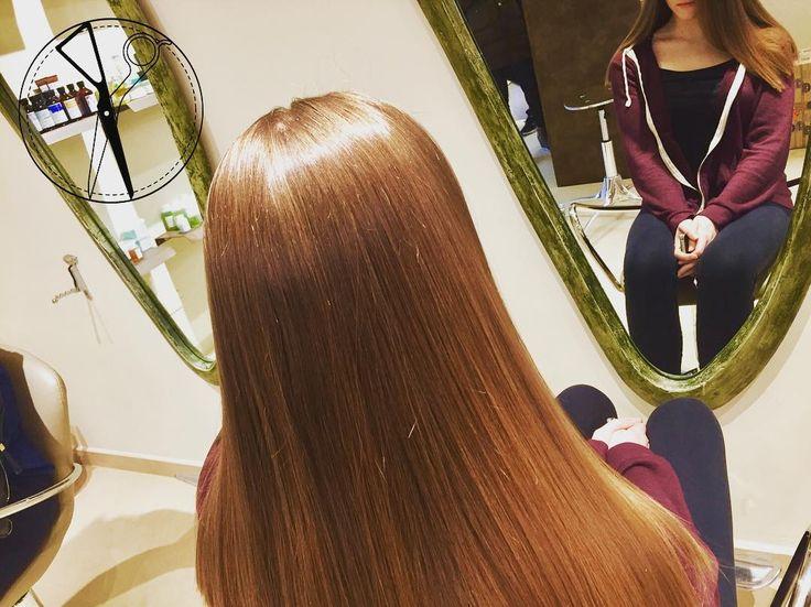 La Nostra Lady.. con un Long Line Shape eseguito con una rifinitura sulle punte per ingentilire la forma e donare eleganza e raffinatezza. Con la sicurezza di una forma inglese.  Garbo Parrucchieri  Italian Style in English Way --- #garboparrucchieri #italianstyleinenglishway #lostileingleseunitoalbuongustoitaliano #capelli #tagliolungo #capellilunghi #nuovotaglio #nuovo #moda #tendenza #forbici #instahair #gropellocairoli #garlasco #vigevano #pavia #milano