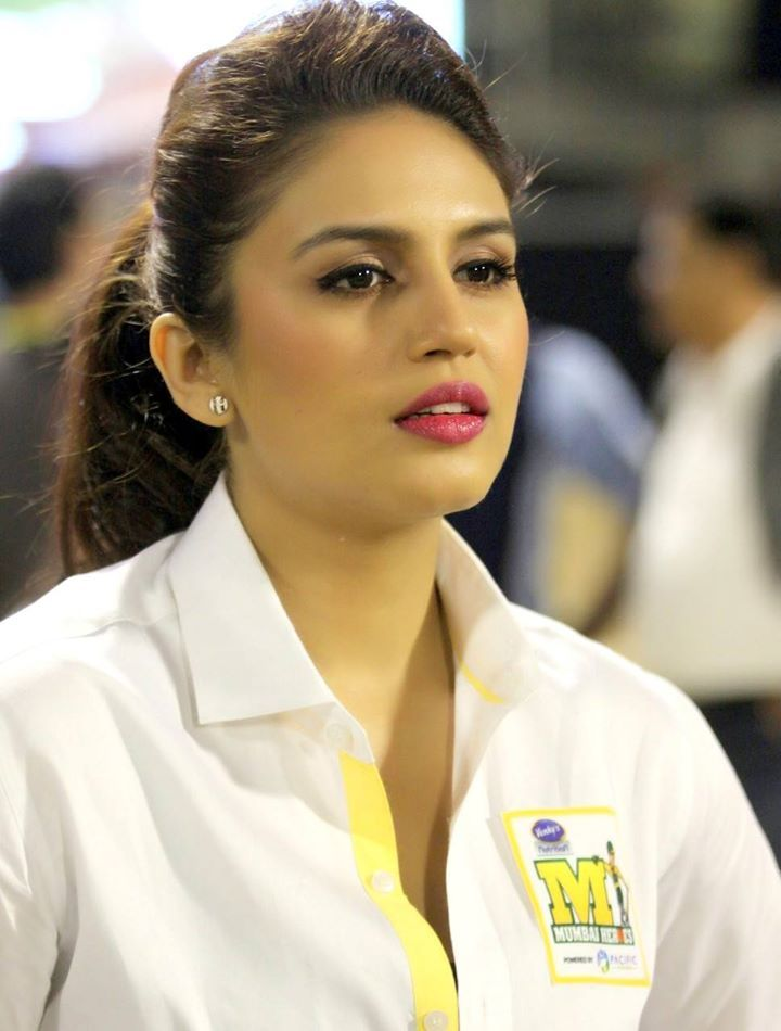 Huma Qureshi Hair Styling