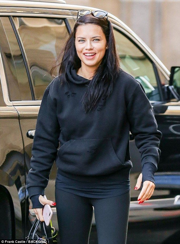 Holey moly! The 36-year-old Brazilian model wore a hole-addled hooded sweatshirt as part of her casual ensemble