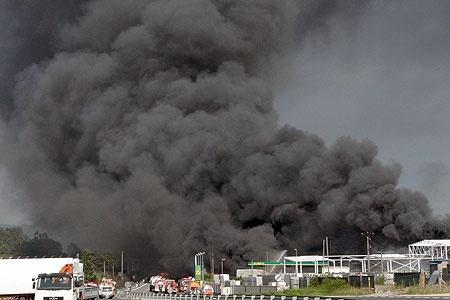 Incendio en la fábrica química Brenntag