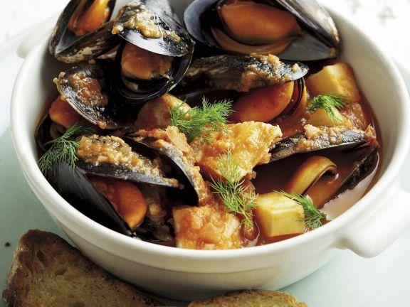 Meeresfrüchtesuppe ist ein Rezept mit frischen Zutaten aus der Kategorie Eintöpfe. Probieren Sie dieses und weitere Rezepte von EAT SMARTER!