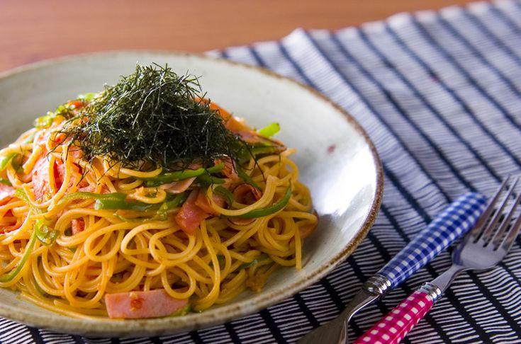 味付けにケチャップなどの他、しょうゆを加え、刻みのりをのせた和風ナポリタン。和風ナポリタン/Tomozouのレシピ。[和食/麺料理(そば、うどん等)]2005.04.25公開のレシピです。