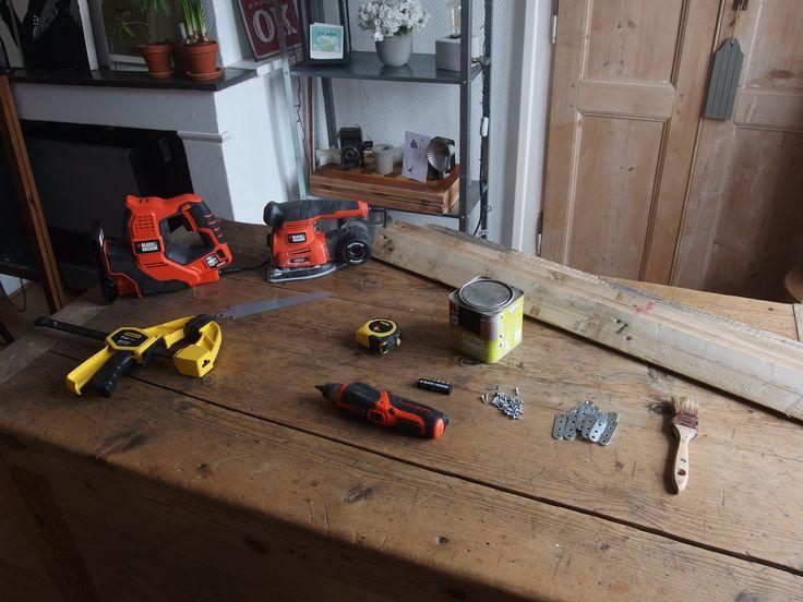 Pour fabriquer votre toile en bois vous allez avoir besoin d une scie lectrique scorpion - Scie electrique pour branches ...
