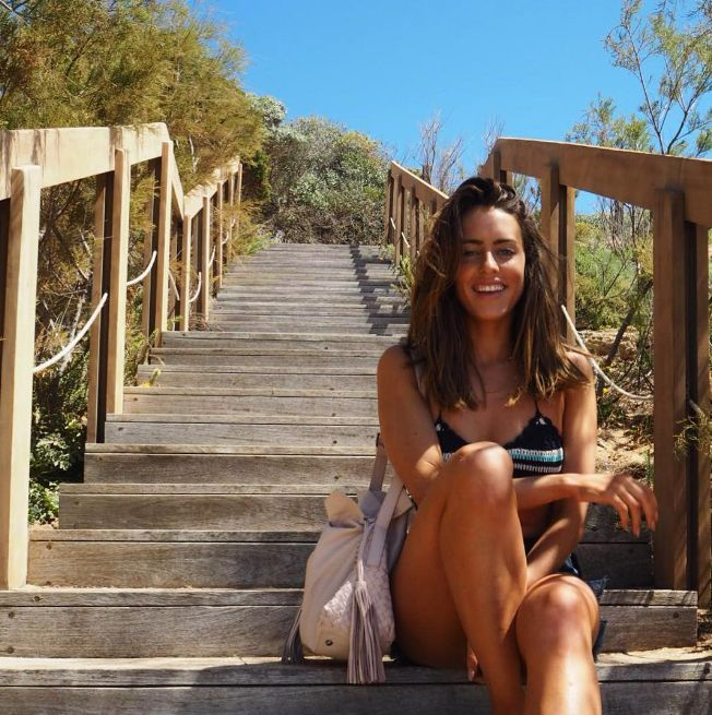 Sun, sea & my Twist Together bag. E! UK's Sabrina Chakici is enjoying her vacation in Greece in style!