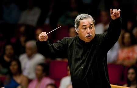 Enrique Perez Mesa, music director of Cuba's National Symphony, leads the Florida Orchestra at the Straz Center on Friday.