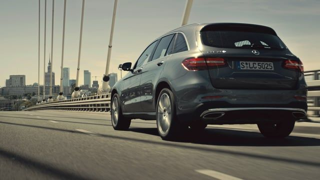 Tradition meets the modern. The Polish capital and the brand new Mercedes-Benz GLC have a lot in common. They both combine classic elements with a futuristic look. The Polish actor Piotr Skibinski discovers both: the new GLC and the city of contrasts: Warsaw. More information about the new Mercedes-Benz GLC on http://mb4.me/nxMrceLx