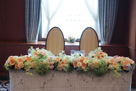 夏の装花 きれいめオレンジとミントグリーン 如水会館様へ メインテーブル
