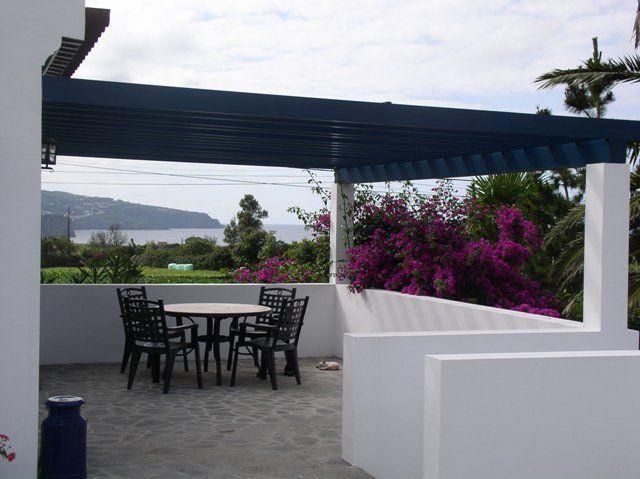 Aluguer de casa rústica para férias na Açores - Balcão em frente da entrada para a cozinha