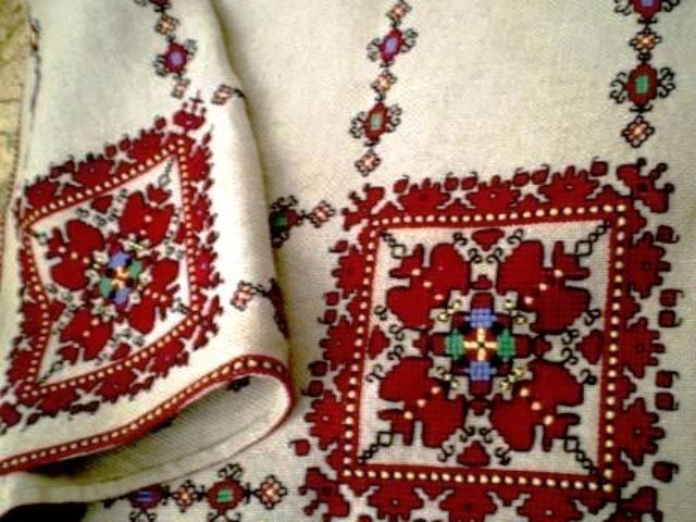 Bulgarian folk embroidery ✳2