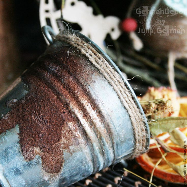 Имитируем ржавчину с помощью шеллачного лака, талька и морилки