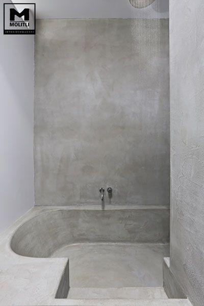 Betonstuc badkamer met verzonken bad | en douche inéén. Slim bedacht!