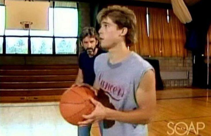 Брэд Питт, сериал «Другой мир» (1987  -   первая  роль,  24  года.)