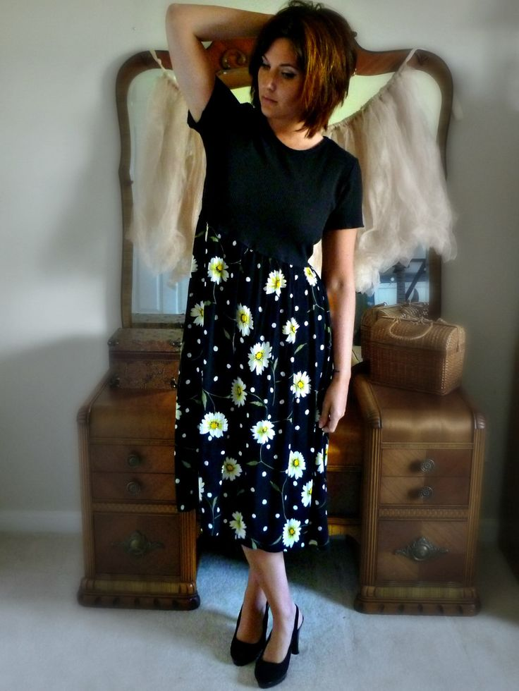 Vintage Grunge Dress with Daisies - Size S/M by harbordistrict on Etsy https://www.etsy.com/listing/287129751/vintage-grunge-dress-with-daisies-size