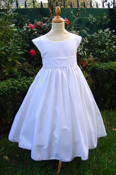 tenue-blanche-de-communion