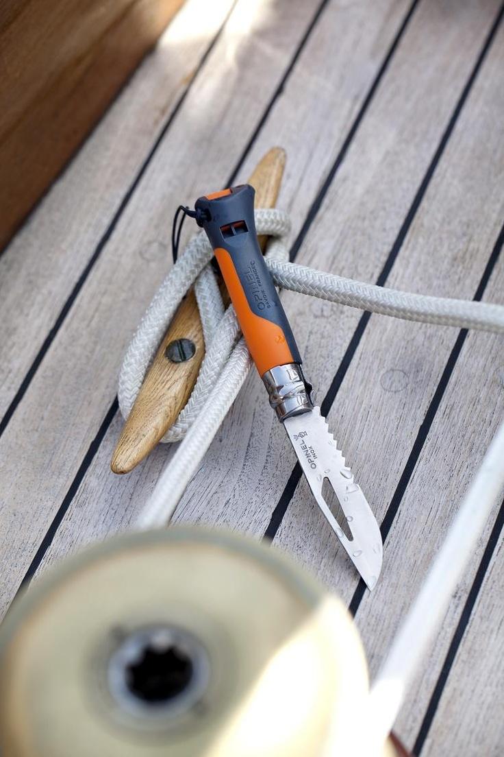 Les couteaux multi-fonctions Opinel sont les compagnons idéaux de toutes vos activités : randonnées, pique-niques, alpinisme, treks, spéléo, nautisme...