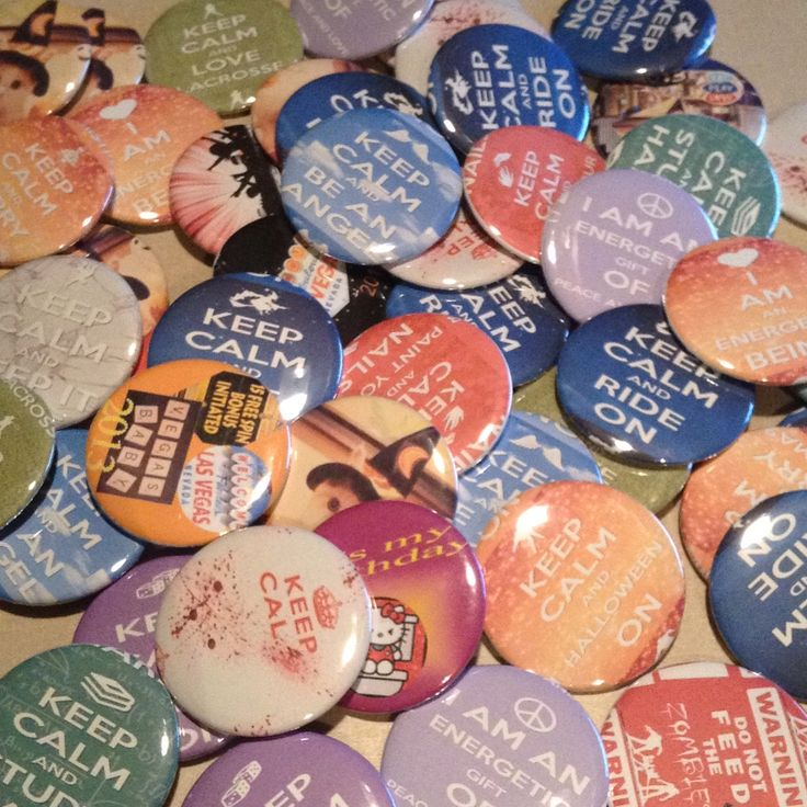 Pinback Buttons are Fun.  i love the colors.