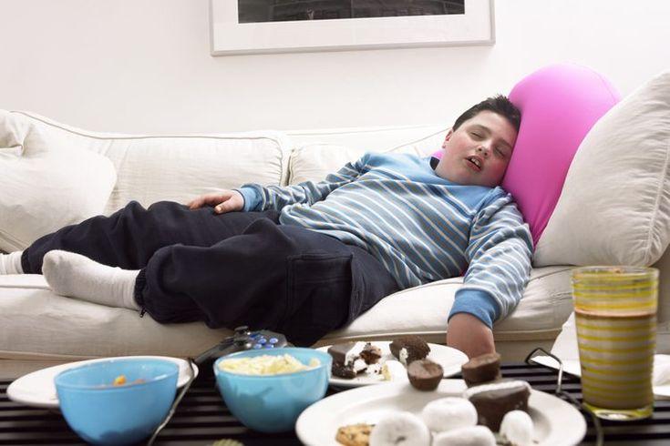¿Qué porcentaje de la población mundial sufre de obesidad?. Si has experimentado una ganancia de peso y notas depósitos extra de grasa a lo largo de tu cuerpo, y la ropa te queda ajustada, probablemente sufras de sobrepeso u obesidad. Si tienes estos síntomas y un médico te ha dicho que tu índice ...