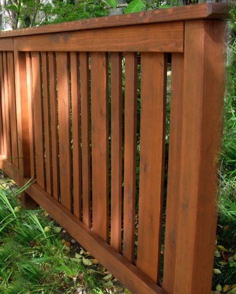 Craftsman Style irregular pattern fence