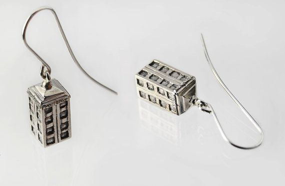 A pair of handmade silver earrings in shape of Tardis – inspired by the tv show Doctor  Who.   This is 925 sterling silver, 100% free from Nickel (Ni) so if you are nickel allergic you will not react to this.